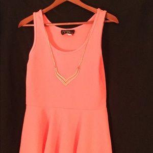 Women's sleeveless peach top